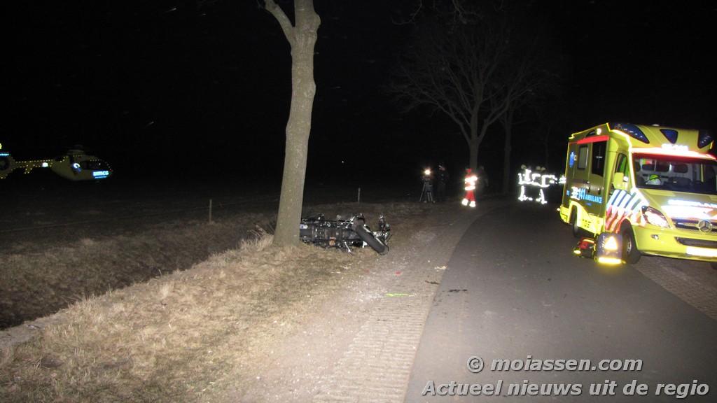 Motorrijder ernstig gewond geraakt bij verkeersongeval Huis ter Heide. (video)