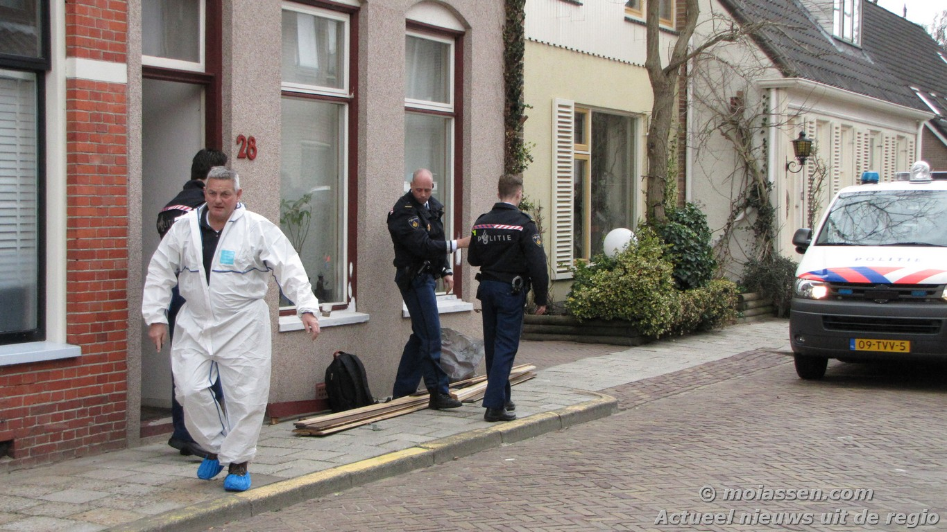 Arrestatieteam schiet bij inval man in been(Foto Update)