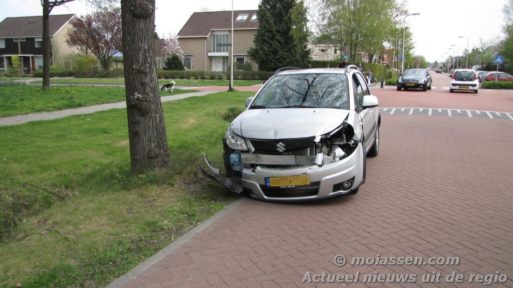 Verkeersongeval Molenstraat / Zwartwatersweg in Assen met gewonde