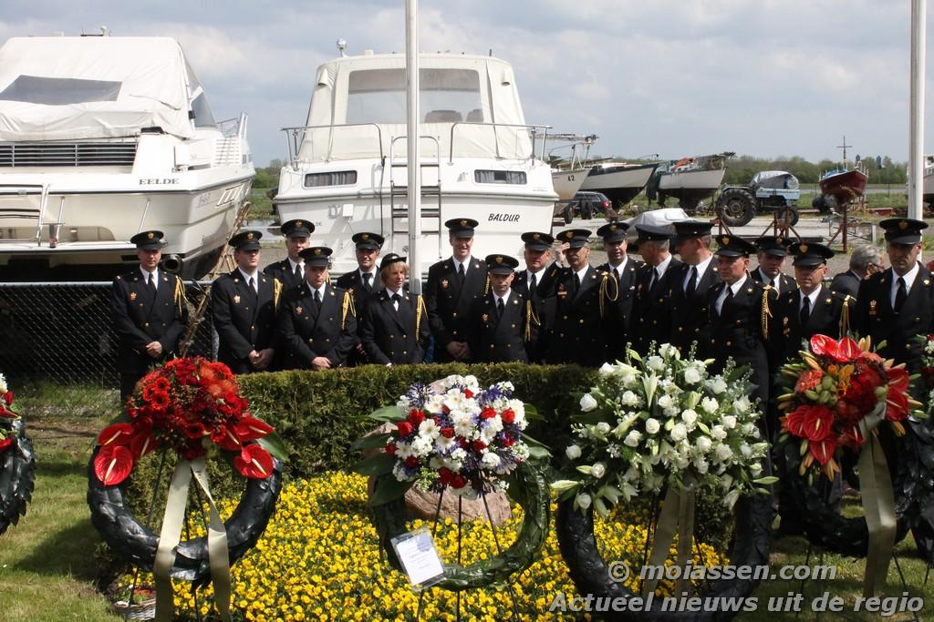Gedenkwaardige herdenk  voor brandweermannen in De Punt