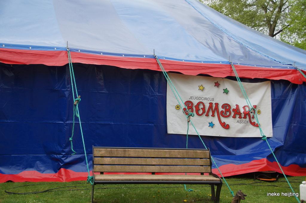 Jeugdcircus Bombari bestaat 35 jaar