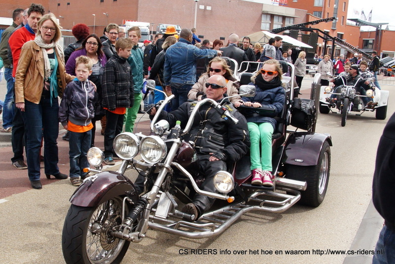 CS Riders reden op de koninginnedag voor kinderen