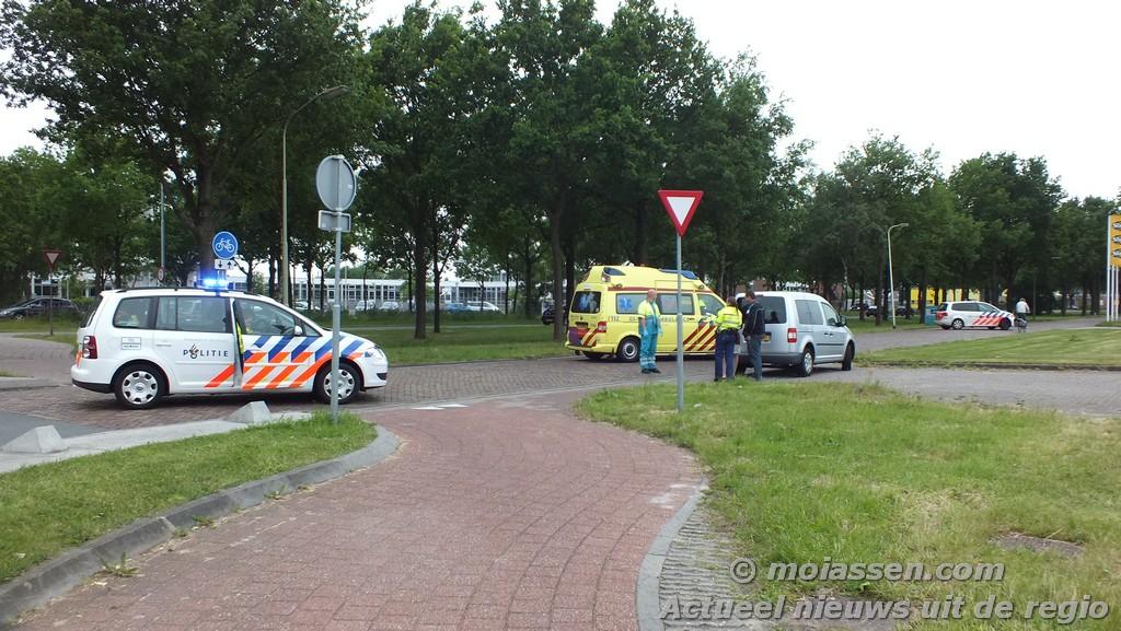112 krot: Fietsster aangereden op Industrieweg in Assen