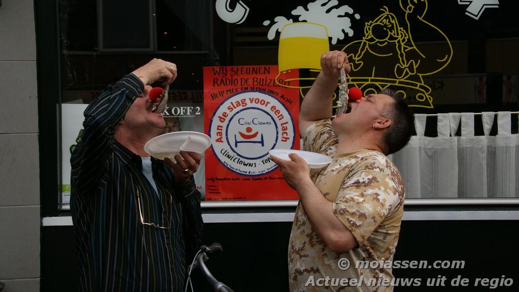 De nieuwe haring proeven in Cafe Obelix