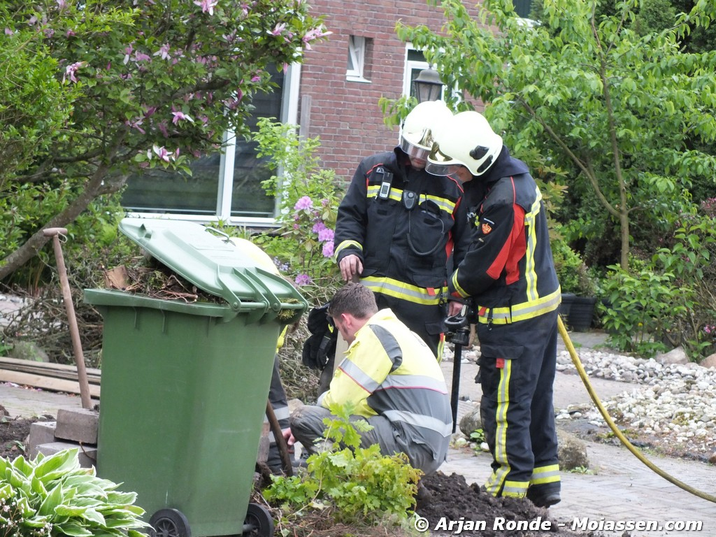 Gaslekkage Einthovenstraat in Assen door tuinwerkzaamheden(video)
