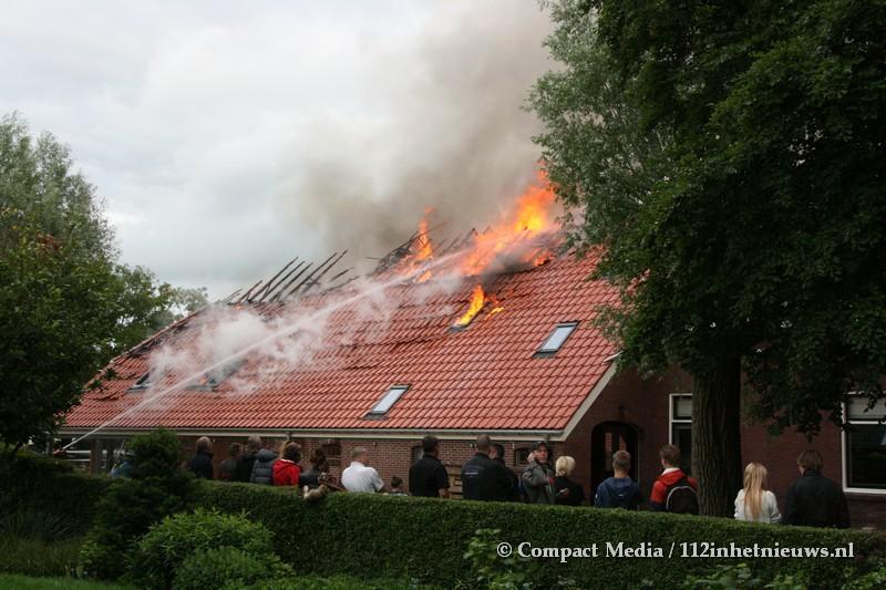 Woonboerderij gaat verloren aan brand in Zuidlaren