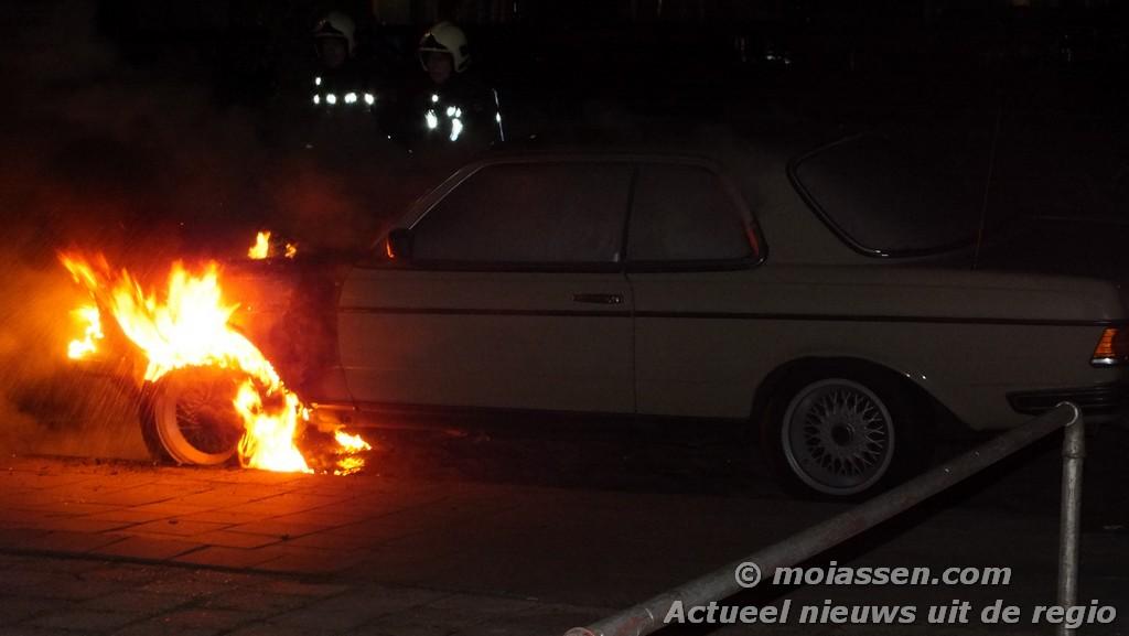 Brandstichting auto vanwege langlopende conflictsituatie (Update Foto's)