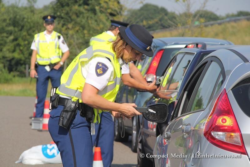 112 Kort: Politie houdt alcoholcontrole bij Assen