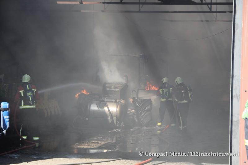 Brand bij loonbedrijf in Smilde