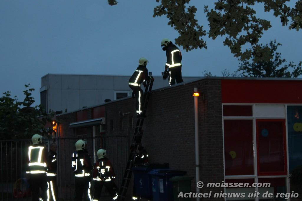Brandgerucht aan de maria in campislaan in Assen ( Foto update )