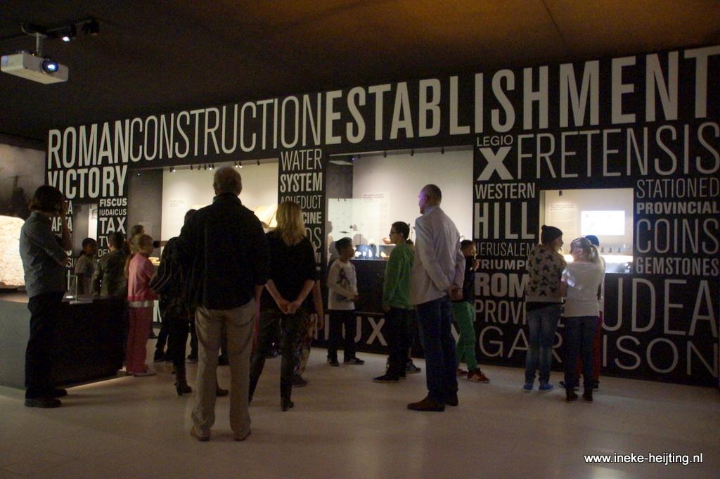 Groepen 7 en 8 op bezoek bij tentoonstelling Dode Zeerollen in Drents Museum