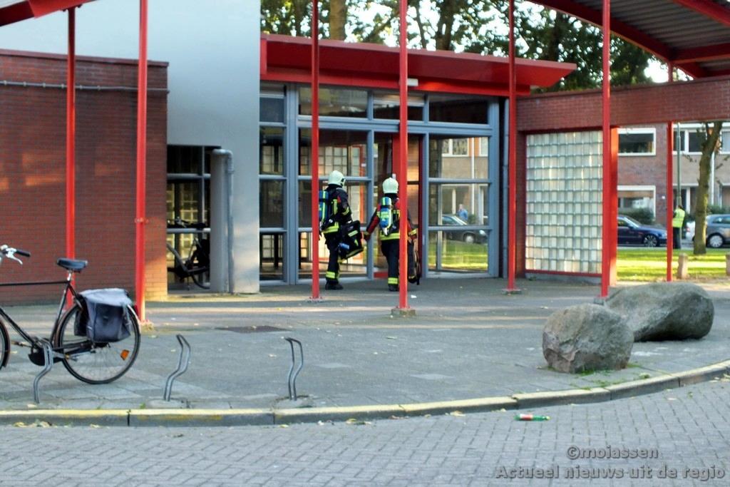 Brand in flatgebouw aan Smetanalaan in Assen