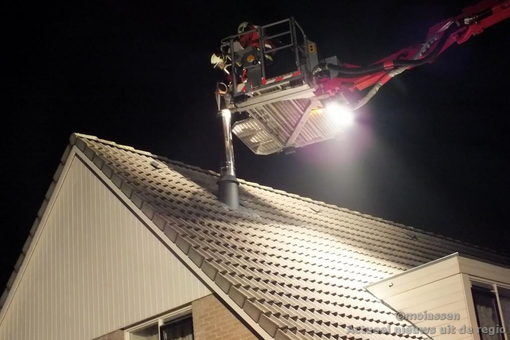 Schoorsteenbrand aan de Donstraat in Assen (video)