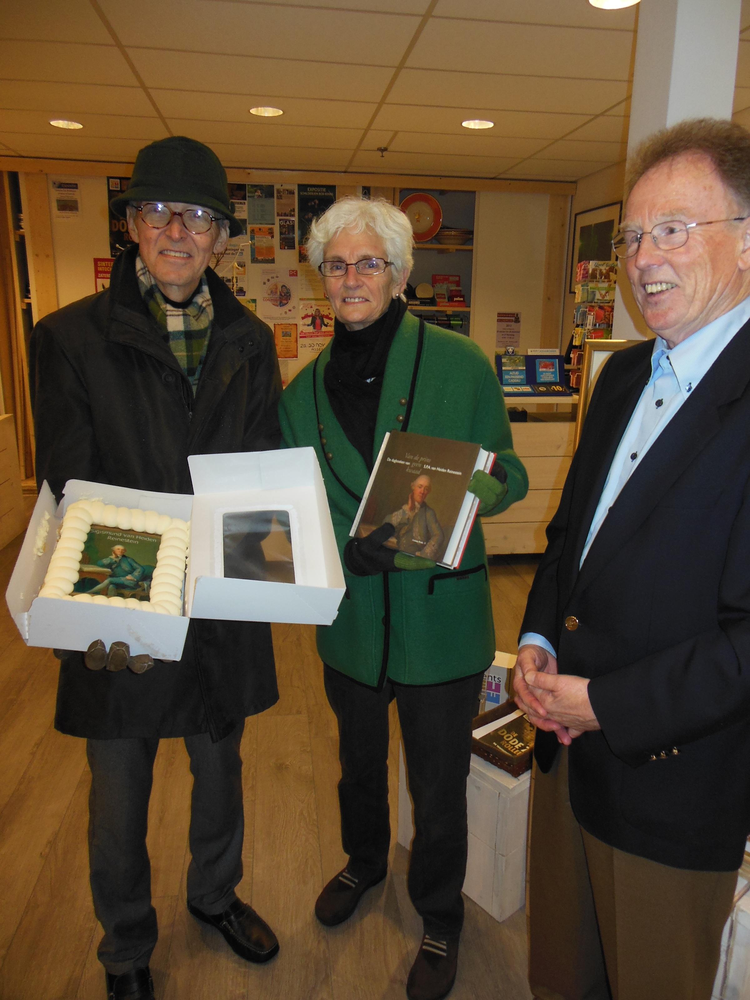 Familie Rutgers wint boek en taart van drost Sigismund (update fotos)