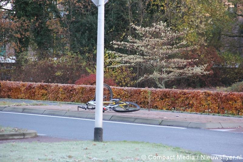 Lichtgewonde na aanrijding met auto in Assen