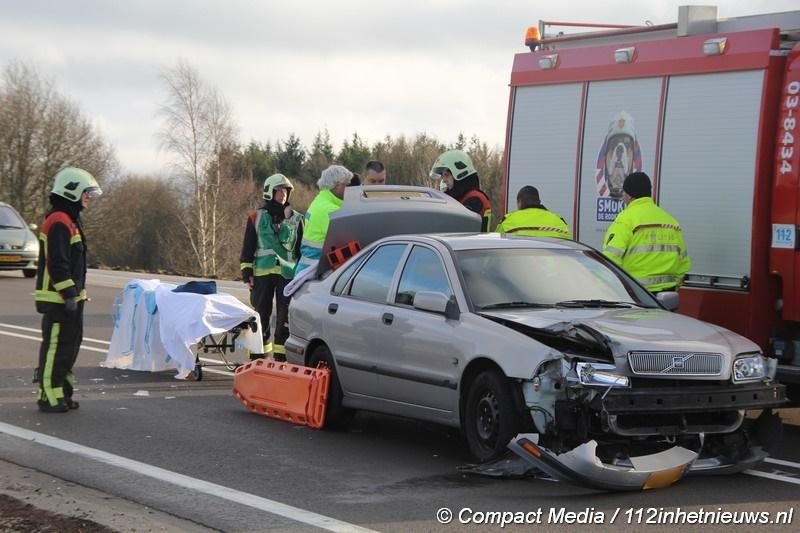 Bestuurder veroorzaakt verkeersongeval op de Rijksweg N33