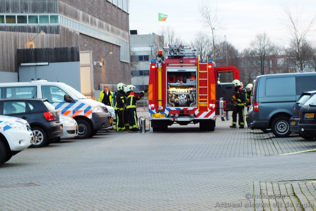 Autobrand bij politiebureau in Assen