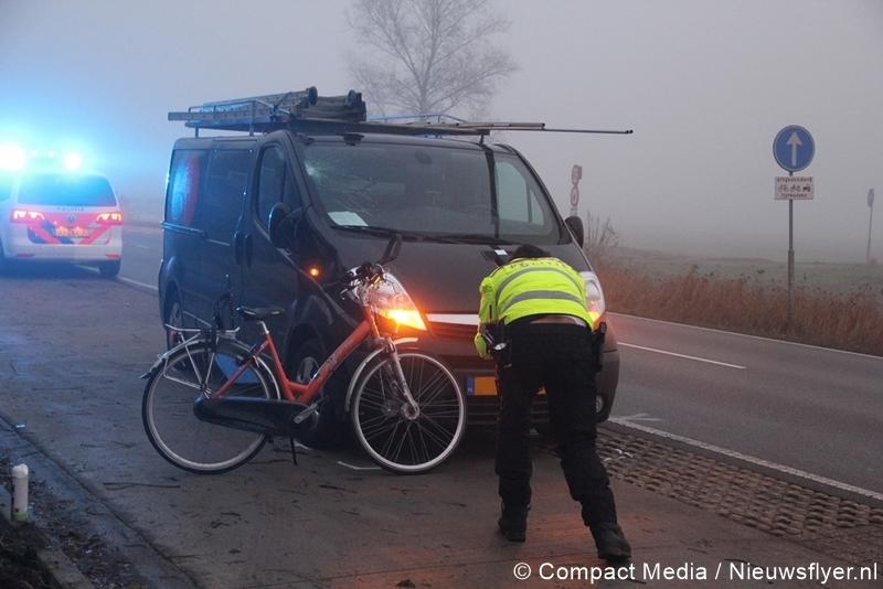 Ongeval tussen bedrijfsbusje en fietster in Huis ter Heide