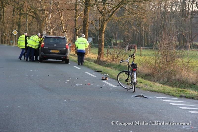 Fietser overleden na aanrijding bij Papenvoort