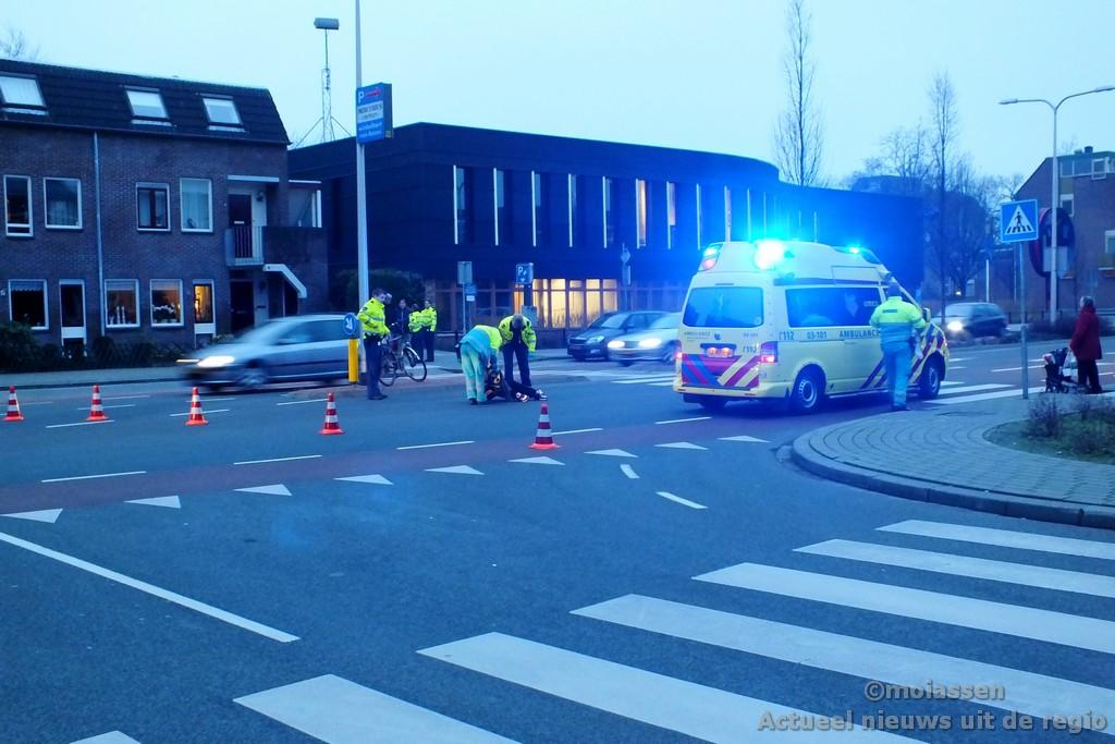 Auto contra fietser in Assen