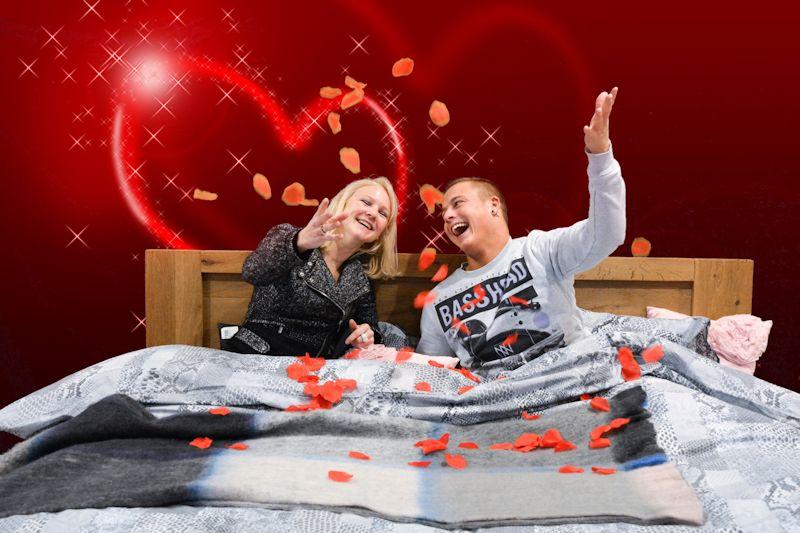 Op de foto voor Liefde enzo bij Vanderveen