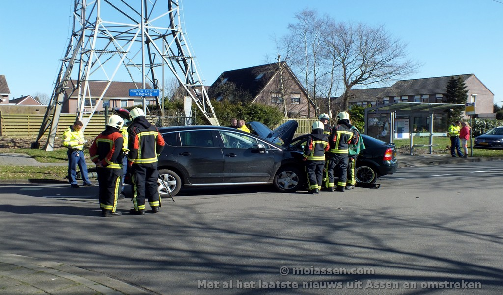 Verkeersongeval op Martin Luther Kingweg in Assen (Update Video)
