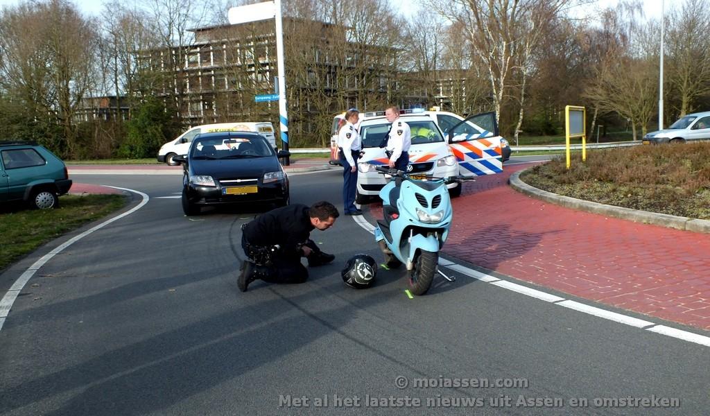 Bestuurder scooter gewond na voorrangsfout op de Hoofdlaan in Assen
