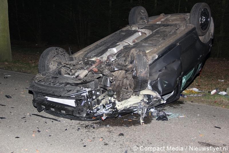 Bestuurder lichtgewond na verkeersongeval