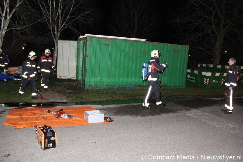 Buitenbrand slaat door naar bouwcontainer