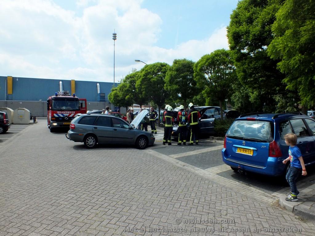 112 Kort: Klein ongeval bij winkelcentrum Marsdijk in Assen