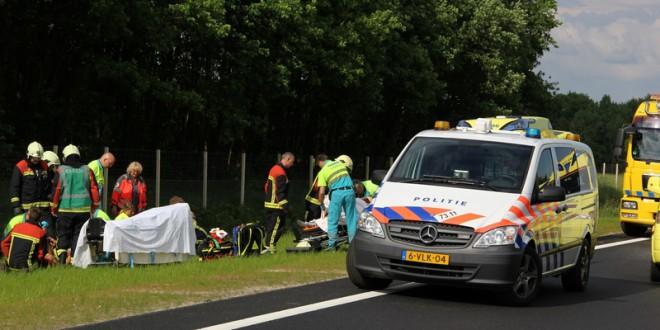 Drie gewonden bij eenzijdig ongeval op N33