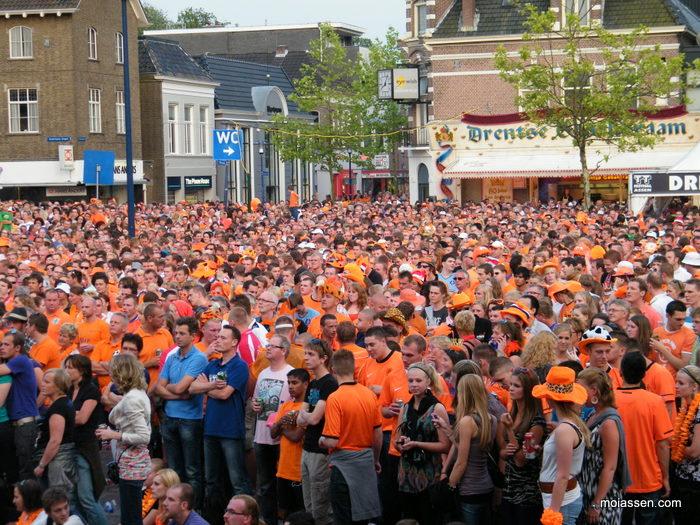 Eventueel groot scherm in centrum van Assen als Oranje zich plaatst voor finale