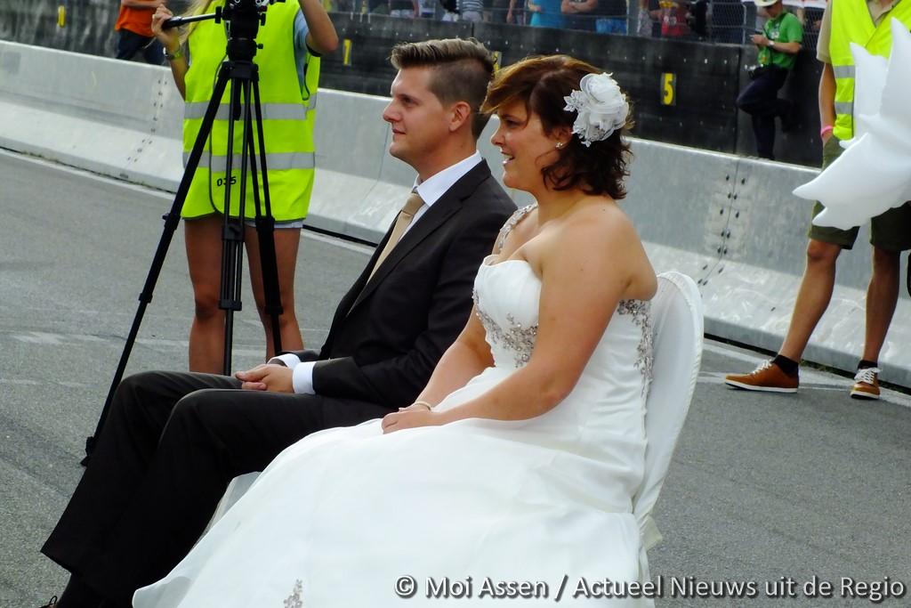 VIDEO:Huwelijksvoltrekking tijdens de Truckstar Festival