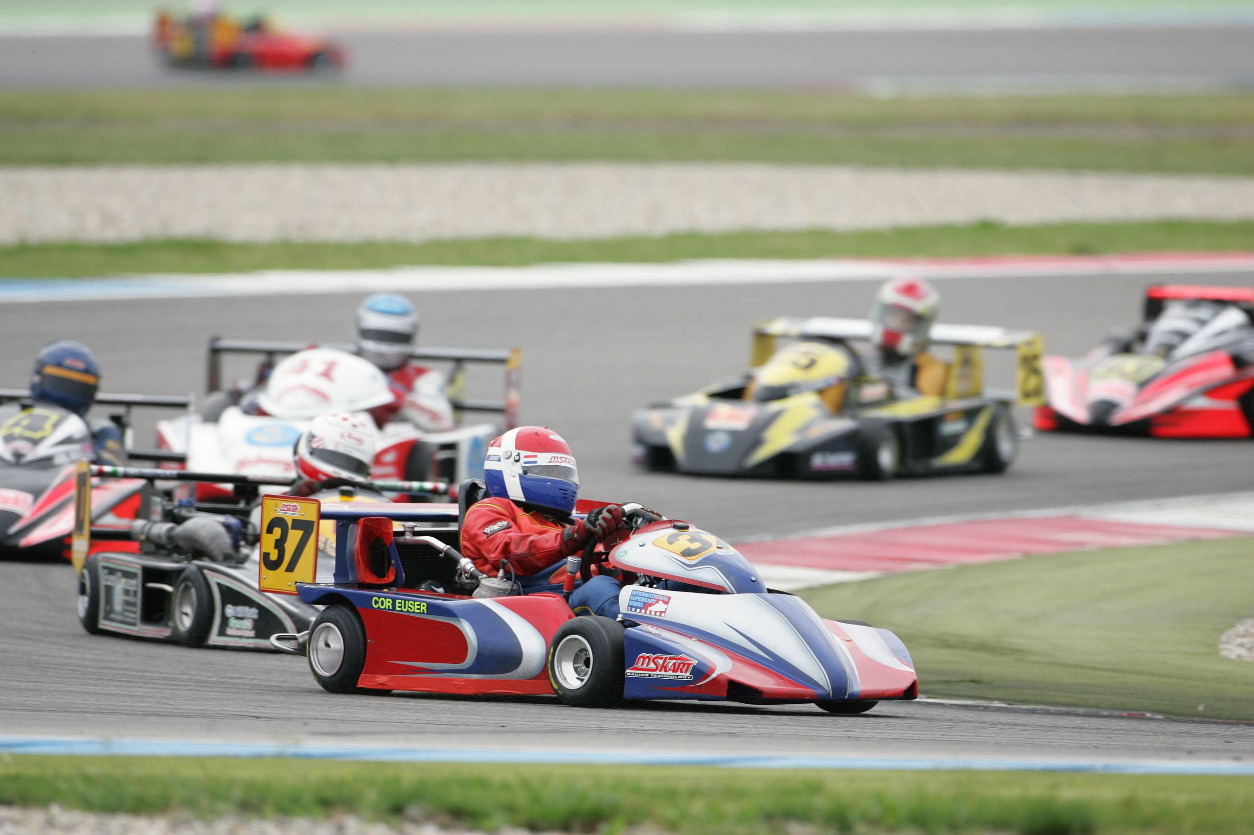 Cor Euser start in superkart tijdens GAMMA Racing Day