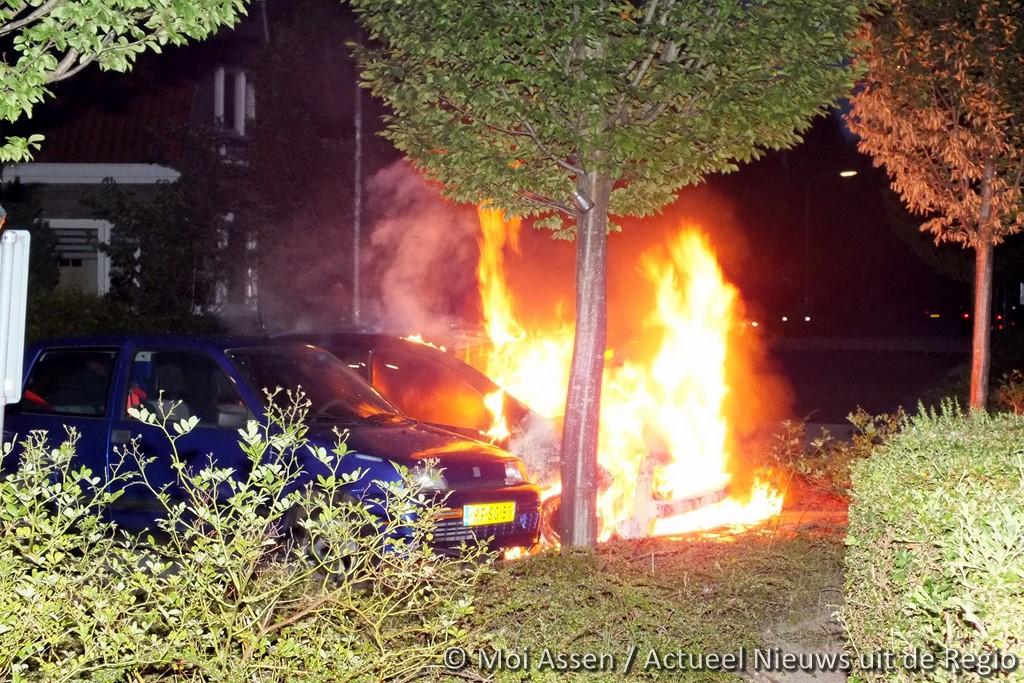 Wederom autobrand in Assen-Oost