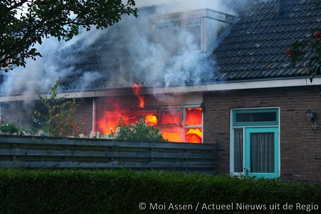 Video:Aanhouding bij woningbrand aan Kerspellaan in Assen(update)