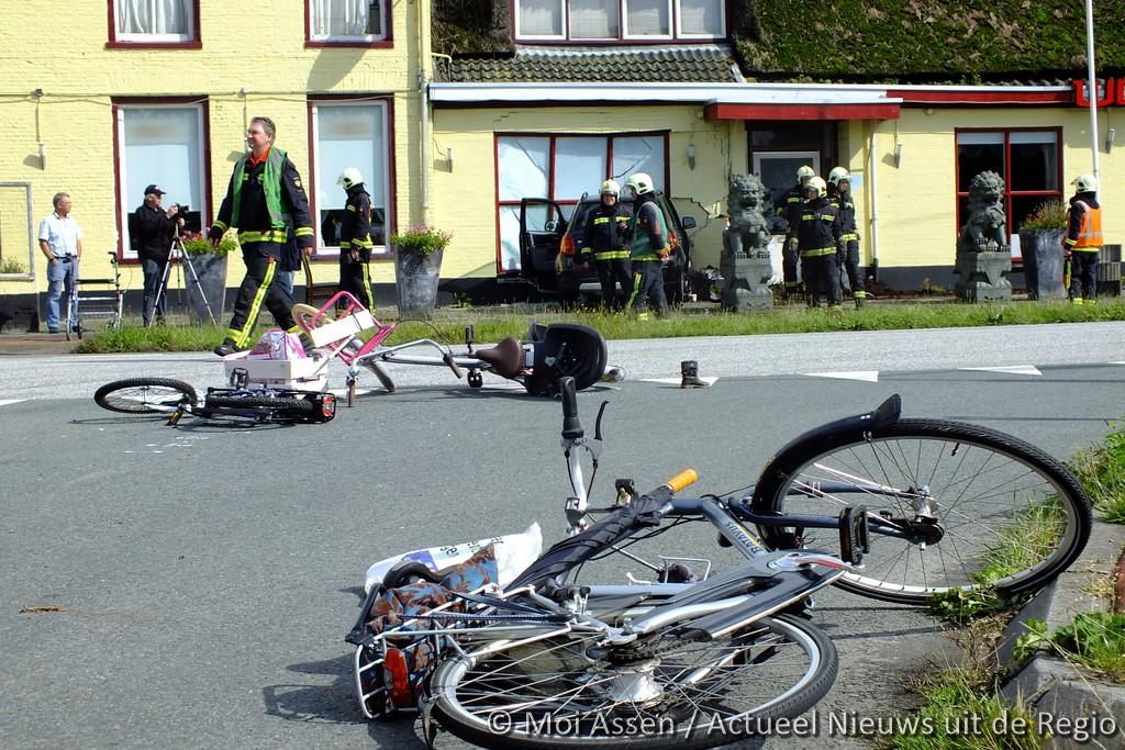 Video:Twee fietsers gewonden bij verkeersongeval in Ubbena (Update)
