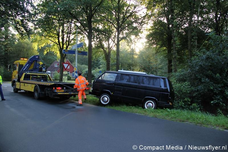 Bestuurder camperbusje verlaat plaats ongeval