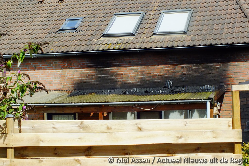 Buurtbewoners voorkomen erger bij woningbrand Assen