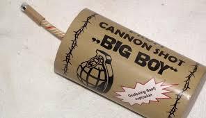 Vuurwerkbom richt veel schade aan
