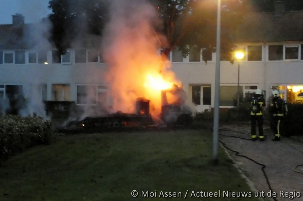 Camper verwoest door brand in Assen (Update video)