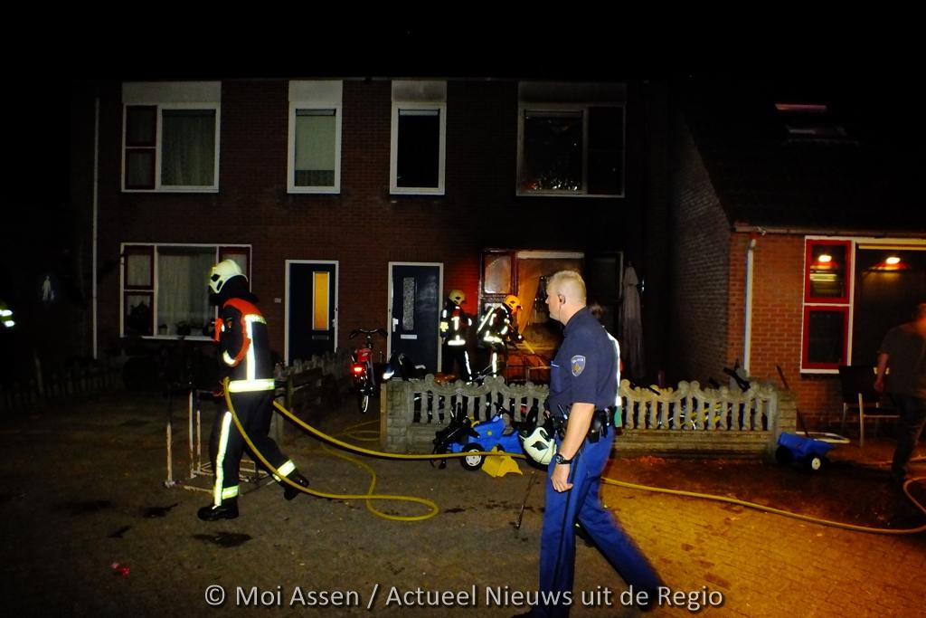 Bewoners op tijd in veiligheid bij woningbrand in Assen