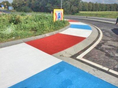 Vier rotondes krijgen kleuren van het TT Circuit