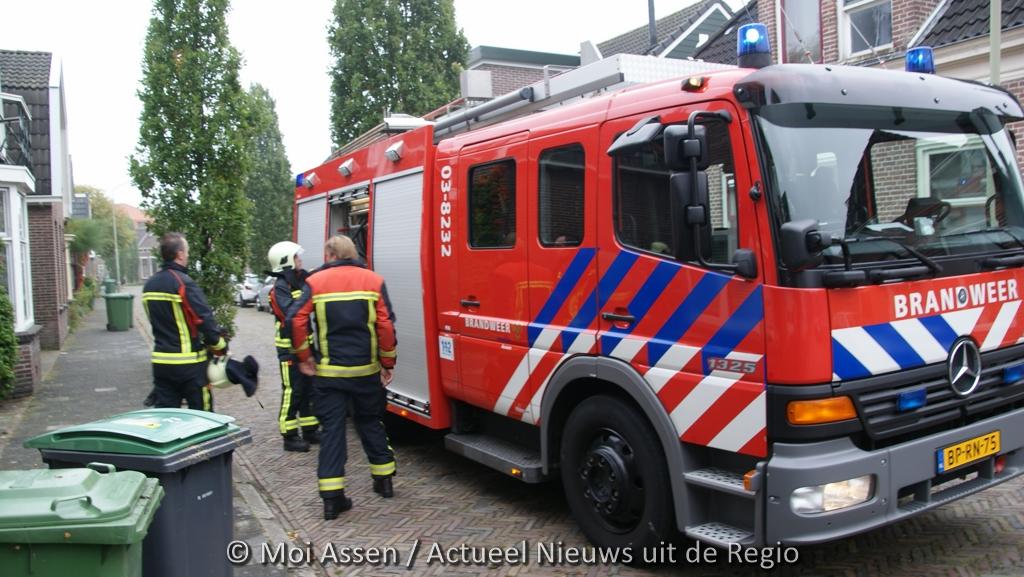 112 Kort: Brandweer controleert woning aan Oosterhoutstraat in Assen