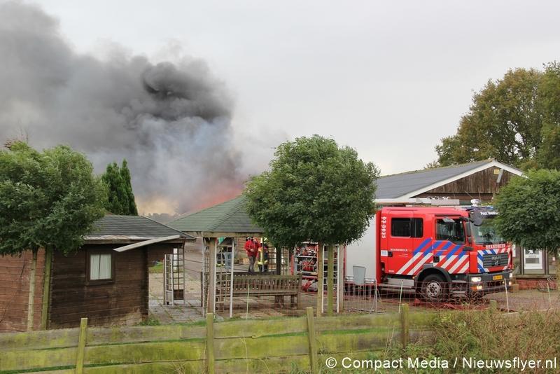 Video:Grote brand aan de Kolonievaart in Huis ter Heide (Update 14.15 uur)