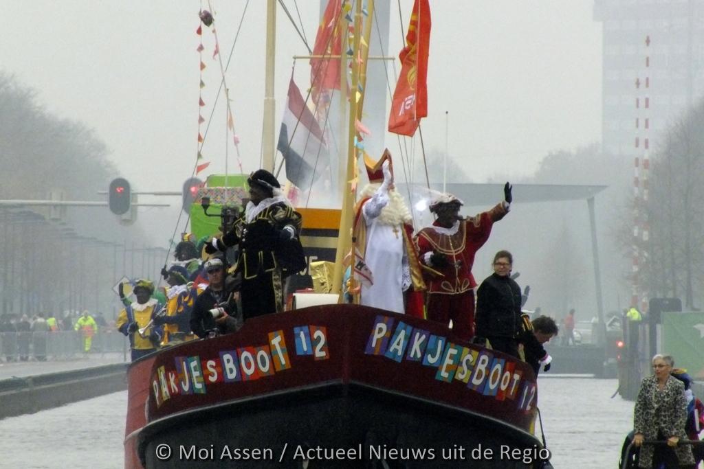 Sinterklaas en zijn 400 Pieten komen zaterdag aan in de Drentse hoofdstad . Waar gaan ze langs en hoe laat?