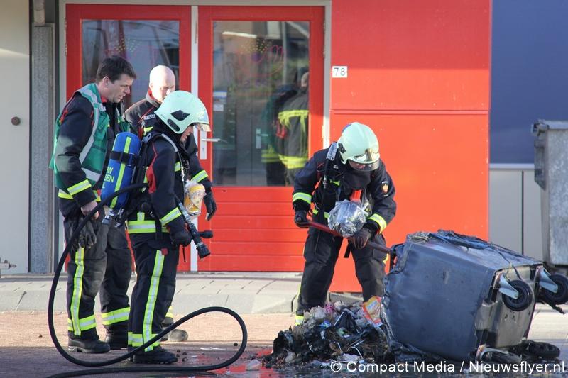 112 Kort: Containerbrand bij basisschool Assen