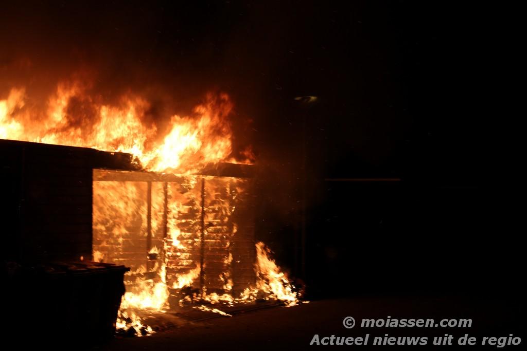 Brand verwoest meerdere schuren in Assen