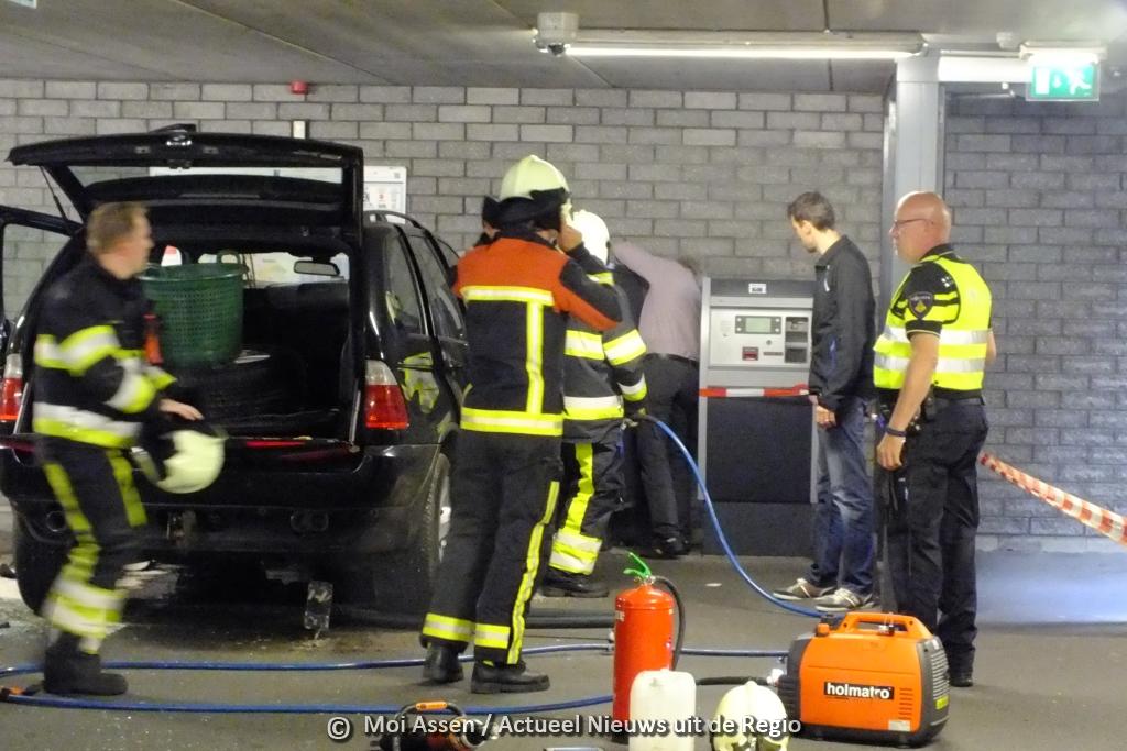 Bestuurder zorgt voor een ravage in parkeergarage aan Neptunusplein in Assen
