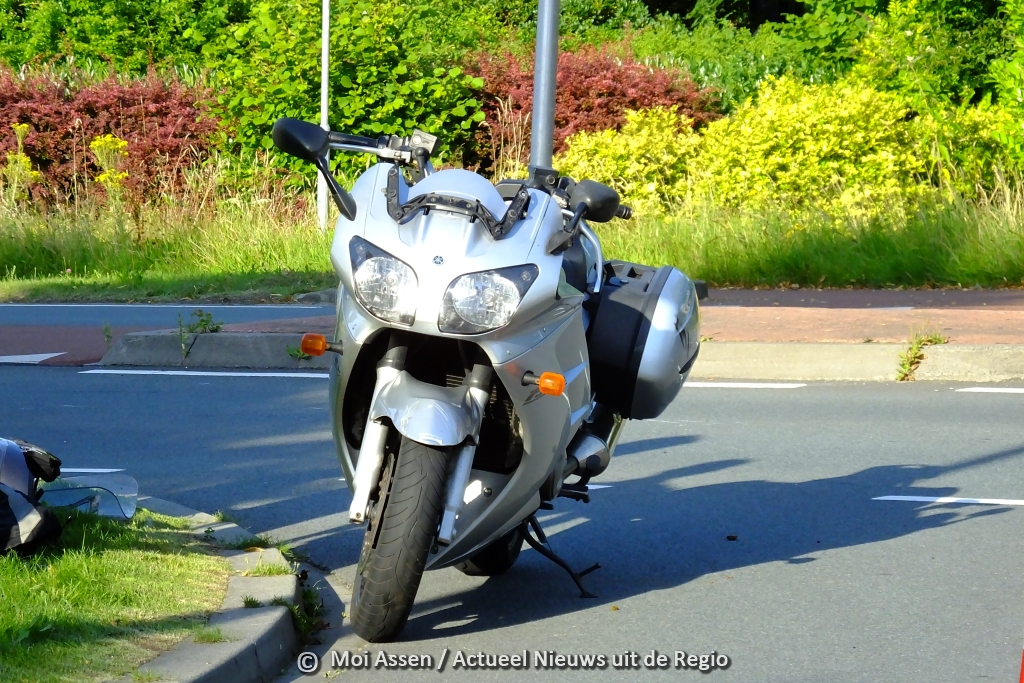 Motorrijder komt ten val bij ongeval Groningerstraat / Smetanalaan in Assen
